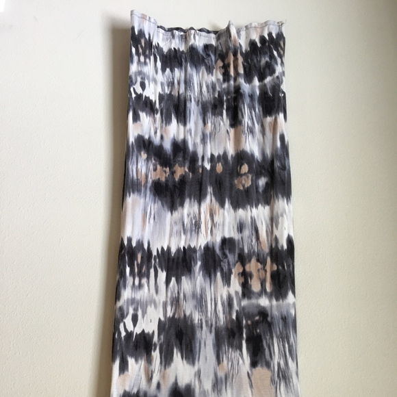 Wet Seal Dresses & Skirts - Wet Seal grey and white tie-dye skirt
